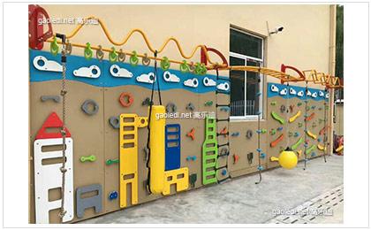 2017年新款的幼儿园家具淘气堡设备都有哪些